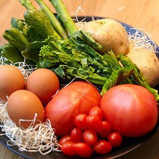生命力のある野菜たち◎時には大将が育てたものもご提供