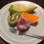 味道楽 - 食後のフルーツ