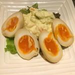 い志い 熟成鶏十八番 - 昔ながらのポテサラ煮卵トッピング