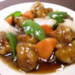 天福居 - 鶏の唐揚げの黒酢炒め(780円)
