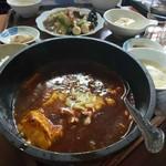 莫龍 - 石鍋麻婆豆腐定食 600円
