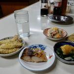 酒処ひろ - 小皿は全部150円