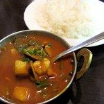 ヒマール キッチン - (2011.11) バングラカレーとライスです