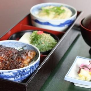 特上ツイン丼…3,300円