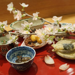 日本料理 太月 - 八寸:白魚天ぷら、ふき、つくし菜の花白和え、ホタルイカ沖漬け、たこ桜煮ゆずみそ、うすい豆胡麻豆腐
