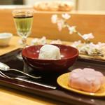 日本料理 太月 - 抹茶ブリン、大和芋いちご大福、桜アイス最中