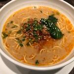 中国飯店 - 坦々麺 (ランチタイム)