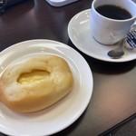 エミーズカフェ - 料理写真:クリームチーズ+珈琲