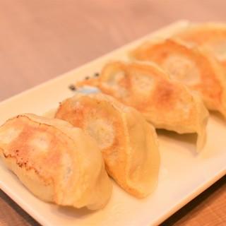【さらに美味しくなりました】手作りにこだわる『日本橋焼餃子』
