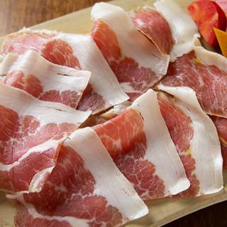 旬の食材を使用したイタリアンをお召し上がりください