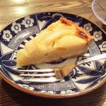 すみだ珈琲 - 洋梨とりんごのタルト(350円)