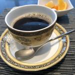 104631562 - サィフォンコーヒー、カップも素敵です♪