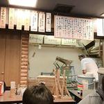 あざみ - 製麺中の様子が 店内で良くみえます。