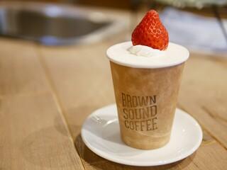 ブラウンサウンドコーヒー - 『フォークでたべるフルーツサンドーいちごー』