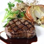 ル ベナトン - 国産牛フィレ肉のグリエ カシスソース