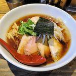104639148 - 麺屋 翔 本店(香味鶏だし特製醤油ラーメン 990円)