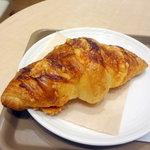 ジオ オーガニックカフェ - チーズクロワッサン180円
