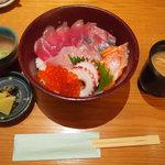 10465507 - 【ランチ】 海鮮丼 \1050