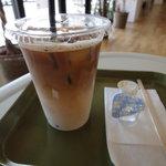 インクカフェ - アイスラテ300円
