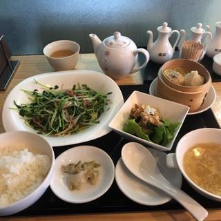 九龍飲茶酒楼 - 料理写真:上から