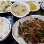 天安門 - 豚肉とピーマン細切り炒め定食700円
