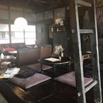 上木食堂 - 古民家リノベーションで落ち着いた雰囲気の店舗