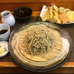 104673997 - 魚介天もり蕎麦(1750円、粗挽き十割蕎麦に変更+200円)