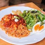 ケーキアンドカフェシャロン - トマトとモッツァレラのパスタ:800円税込