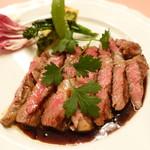 ピッツェリア・サバティーニ - 和牛リブロース肉のタリアータ西洋山葵と黒トリフのソース