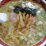 らーめん丸富 - 醤油ラーメン700円