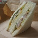 シロクマベーカリー  - チキン南蛮サンド