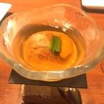 104705088 - 北海道産ズワイガニと雲丹                       コンソメジュレでかためたもの                       カリフラワーのムース