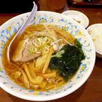 帝里加 - ラーメンのスープは単純な醤油味で、驚くほどに薄味。とにかくあっさり!