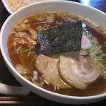 コーヒー&レストラン信濃 - 料理写真:「ラーメン」(太麺)