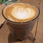 クレイジー カフェ ブランク - カフェラテホット 550円