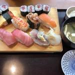 味のうえだ - 寿司ランチ