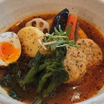 スープカレーの田中さん - 4月のマンスリー 鶏軟骨入つくねと菜の花&チーズはんぺんスープカレー