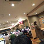 はま寿司 - 店内はほぼ満員