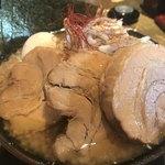 麺賊 夢我夢中 - 和豚基本、肉増し、ポロ卵
