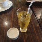10473139 - ランチセットのジャスミン茶とココナッツミルク