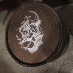 かき松島 こうは - 鯛を抱えた恵比寿様のビア樽の、カウンタ席