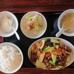 大連食府 - 料理写真:2019年3月 牛肉のオイスターソース炒め(日替ランチB) 700円