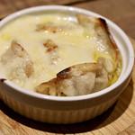 餃子とスパークリング バブルス - チーズ餃子