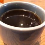 104734261 - セットのコーヒー                       通常半分の量だが、淹れる前に希望をすれば普通の量を貰える。