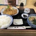 豊福 - とんかつ定食750円です(2019.3.31)