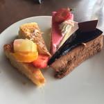 タボラ36 - フルーツタルト、チーズケーキ、ストロベリームース、チョコレートムース