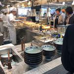 丸亀製麺 - 厨房の雰囲気♪