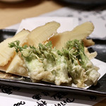 天ぷらと日本酒 明日源 - タラの芽天&たけのこ天