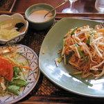 アジアンキッチン サワディー - タイ風甘口焼きそば パッタイセット