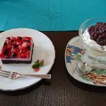 こばとカフェ - ダブルベリーのケーキとあんこプリン